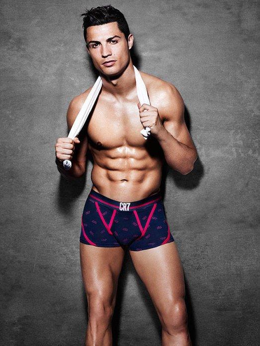Hot-Cristiano-Ronaldo-Pictures
