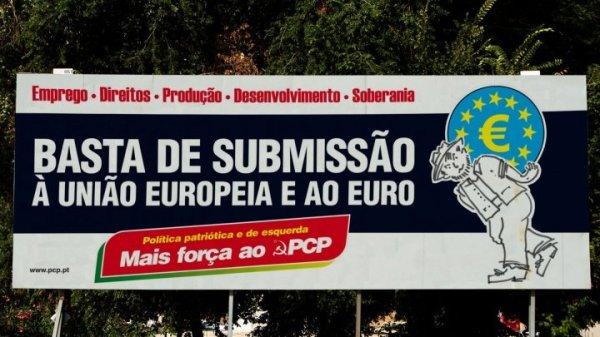 201605_cartaz_8x3_exterior_campanha_basta_submissao