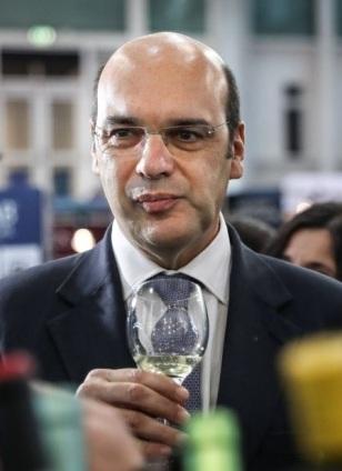 O ministro Adjunto e da Economia visita o Salão internacional do Setor Alimentar e Bebidas