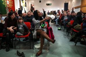 Joacine Katar Moreira exaltada depois do discurso durante o 9º Congresso do Partido Livre, no Centro Cívico Edmundo Pedro, 18 de Janeiro de 2020. FILIPE AMORIM/OBSERVADOR