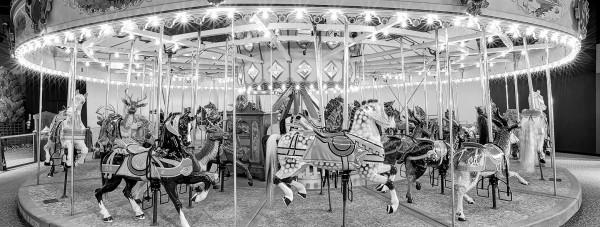 carousel-bw