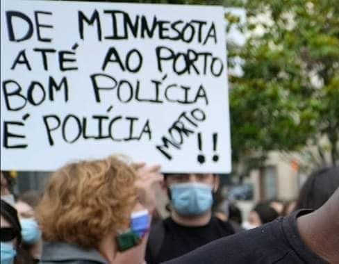 PoliciaMorto